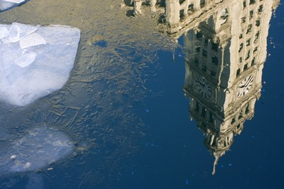 chicago-wrigley-building-winter